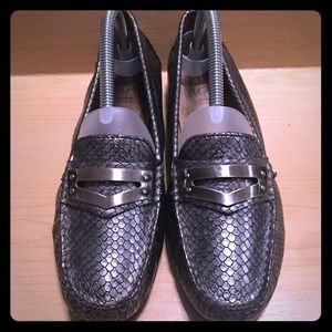 Impo Charisma Silver Snakeskin Style Loafers sz8